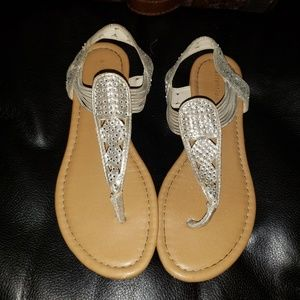 ⭐4/25⭐Attention Metallic Gold Thong Sandals-7.5